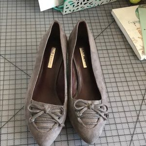 Gray loafer style wedge- perfect for work!